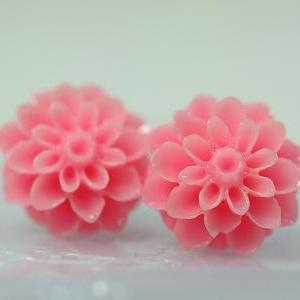 Pink Chrysanthemum Ear Posts, Brida..